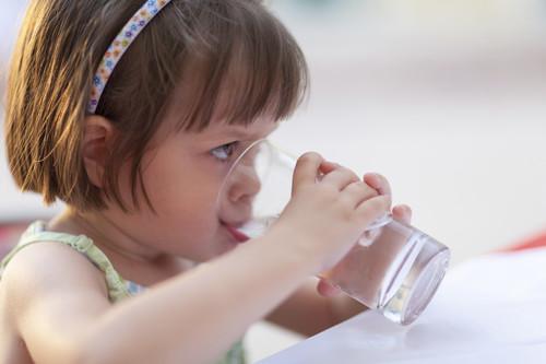 Niños bien hidratos, y en verano más que nunca