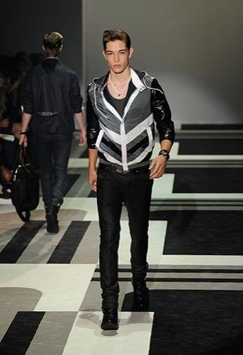 Foto de Gucci, Primavera-Verano 2010 en la Semana de la Moda de Milán (12/15)