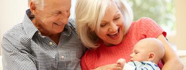 Cinco buenos motivos, según la ciencia, por los que es positivo que los abuelos cuiden de sus nietos