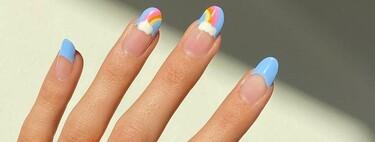 El nail art nos trae un pedacito de cielo a nuestras uñas: así es la manicura de nubes que sigue triunfando en el mundo de la moda