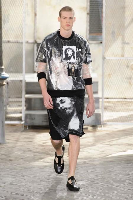 Y con Givenchy primavera-verano 2016 llegaron las faldas para los hombres