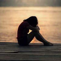 Suicidio en adolescentes, una dura realidad: cómo detectar señales de alarma y ayudar a nuestros hijos
