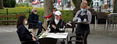 ¿Hasta qué hora se puede estar en la calle en la fase 1? De paseo hasta las 23:00, pero de fiesta en la terraza hasta las 2:30