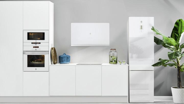 Cocinas bonitas que demuestran que los electrodomésticos blancos están de vuelta