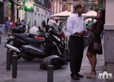 ¿Borracha y sola en la ciudad? Este vídeo te demuestra que corres peligro