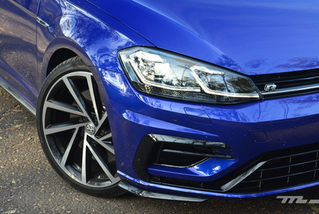 Volkswagen Golf R 13