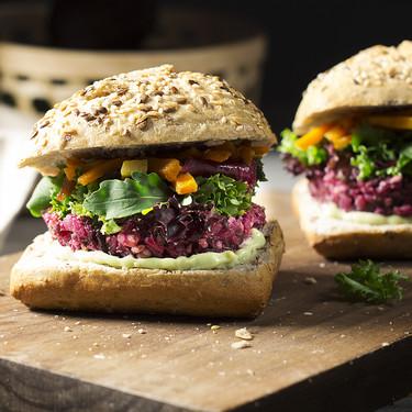El juego de las diferencias entre la pirámide de la alimentación clásica, la vegetariana y la vegana