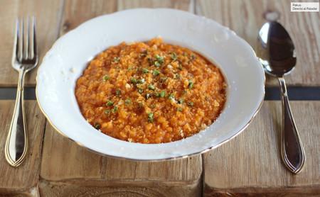 Risotto de tomate: una vuelta de tuerca al arroz con tomate, que gustará a niños y a mayores