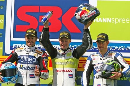 Superbikes Alemania 2010: Biggi sexto todavía no saca puntos suficientes para ser campeón