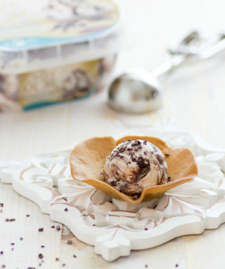 Receta de tulipas de galleta con helado de stracciatella
