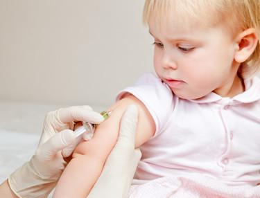 Ocho compañeros del niño de Olot tienen difteria, ¿y ahora qué?