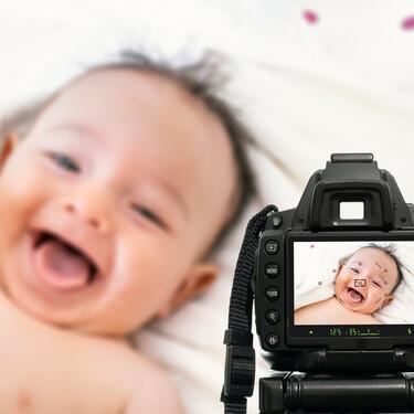 El vídeo viral de Tik Tok sobre las fotos que guardamos de nuestro primer bebé y de los siguientes