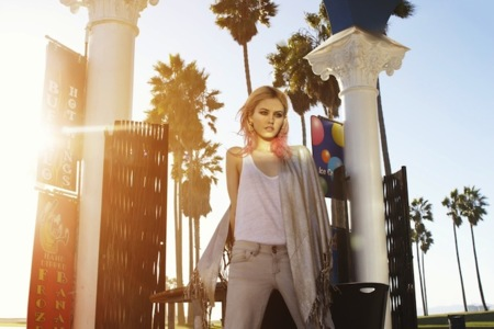 Charlotte Free en la nueva campaña de Bershka. ¡Genial!