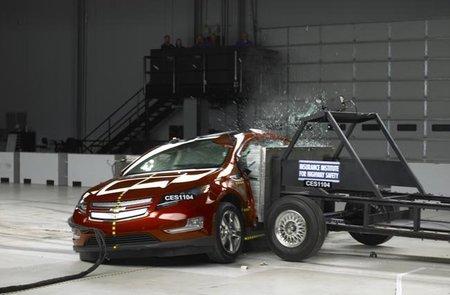 Chevrolet Volt y Nissan Leaf logran la máxima puntuación en los Crash Test
