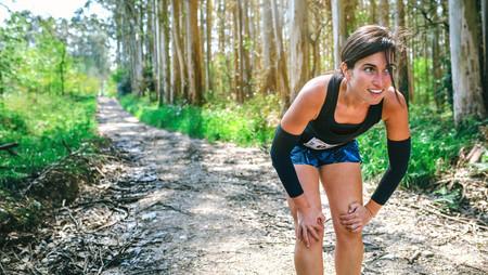 Ahora que llega el frío, abrígate para correr con unos manguitos: esta es nuestra selección para esta temporada