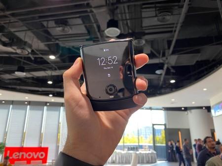 """Xiaomi obtiene la patente de un móvil """"de concha"""" plegable a lo Motorola Razr"""