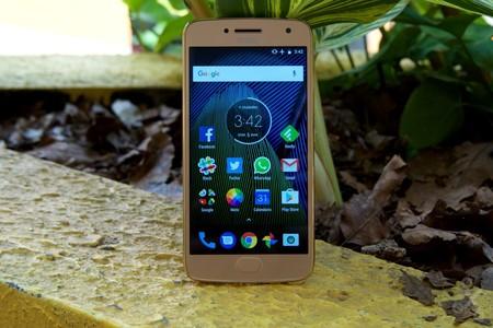 El Moto G5 Plus que vende Telcel está -casi- limpio de bloatware
