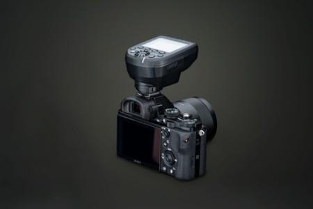 Elinchrom incluye a las cámaras Sony en la nueva versión de su controlador remoto Skyport Plus HS
