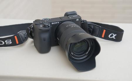 Sony lanza una herramienta gratuita que permite usar sus cámaras como webcam en Windows 10
