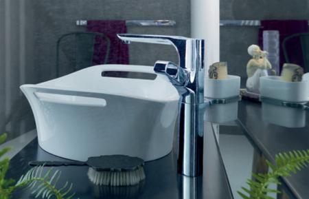 Lavabo diseñado por Patricia Urquiola