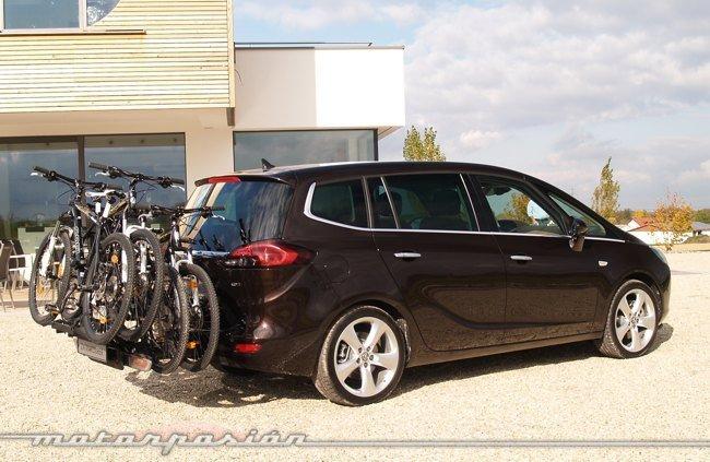 Opel-Zafira-Tourer-11
