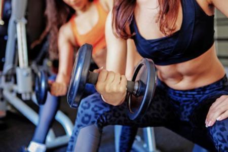 Realizar un levantamiento seguro: vestimenta y realización de los ejercicios (II)