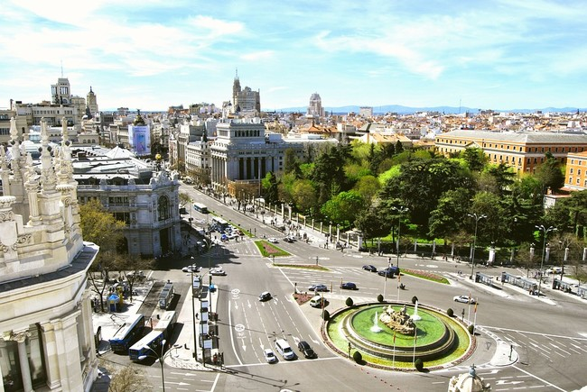 A partir de octubre, ni coches ni motocicletas sin etiqueta podrán circular por Madrid con alta contaminación