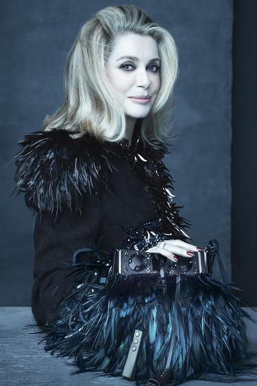 Louis Vuitton rinde homenaje a Marc Jacobs con sus musas por primavera