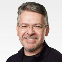 El proyecto del Apple Car está ahora en manos del responsable de IA de Apple tras la jubilación de Bob Mansfield