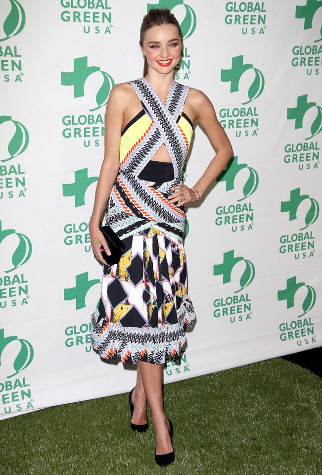 Foto de Top 10-6: famosas mejor vestidas en las fiestas 2013 (13/25)