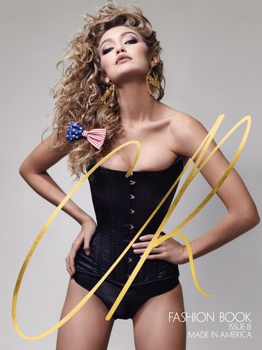 Gigi Hadid va ganando terreno y ahora protagoniza la portada del nuevo número CR Fashion Book