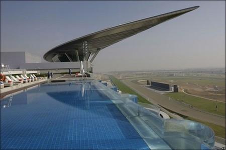 meydan-racecourse-piscina.j