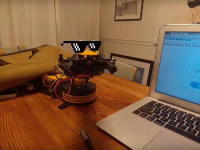 """Y por fin, un pequeño y heróico robot ha logrado desactivar el captcha """"No soy un robot"""""""