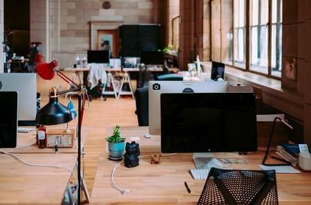 Otra brecha del teletrabajo: el 44% de los directores quieren trabajar en la oficina todos los días frente al 17% de los empleados