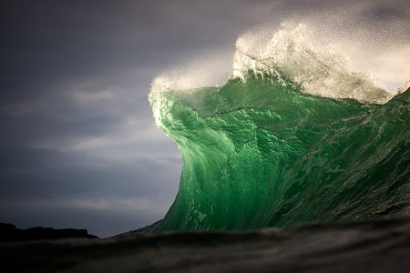 Waves Warren Keelan 8