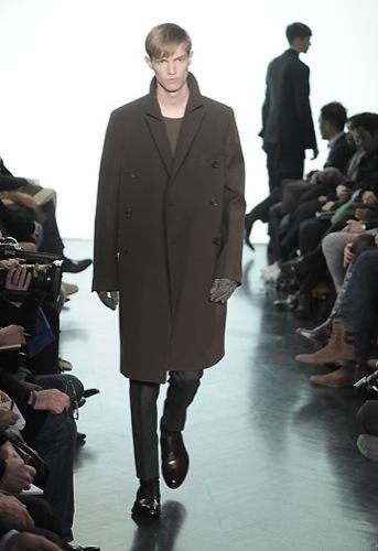 Yves Saint Laurent, Otoño-Invierno 2010/2011 en la Semana de la Moda de París. Abrigo