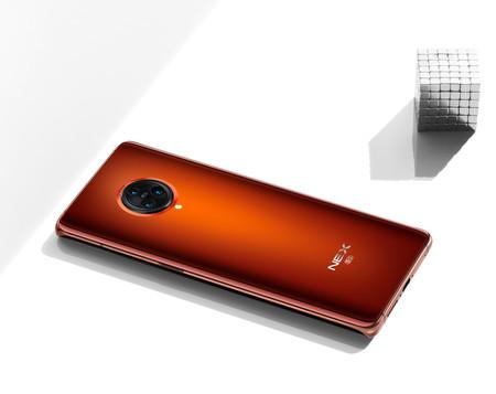 """Vivo NEX 3S: se mantiene la apuesta por la cámara pop-up y """"el anillo"""" en el nuevo buque insignia de hasta 12 GB de RAM"""