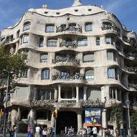 Barcelona aprueba una tasa turística para excursiones