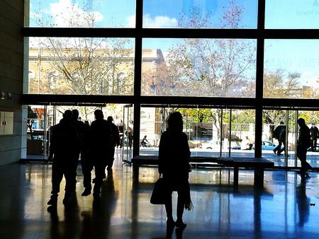 Corremuseus: un autobús con mucho arte (y gratis) para recorrer los museos de Valencia