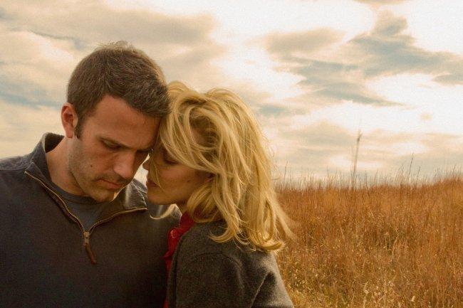 Ben Affleck y Rachel McAdams en una escena de To The Wonder