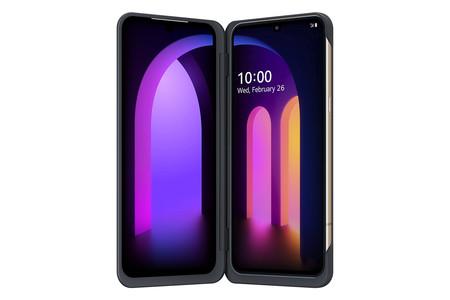 La doble pantalla está colocada en una especie de funda para el móvil.
