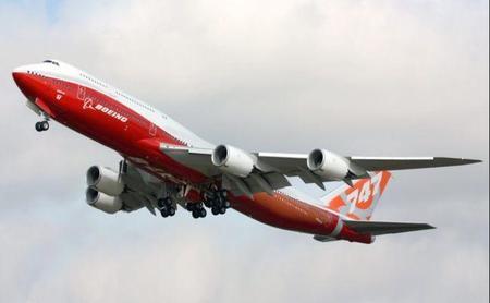 747-8i_(n6067e)_takeoff.jpg