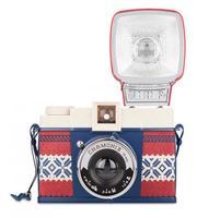 Lomography ha lanzado dos nuevas cámaras con una estética... diferente