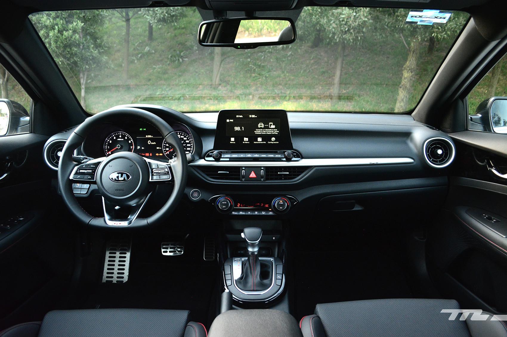 Foto de KIA Forte GT Hatchback (prueba) (9/23)