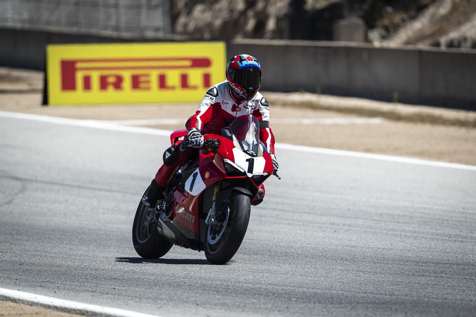 Foto de Ducati Panigale V4 25° Anniversario 916 (39/73)
