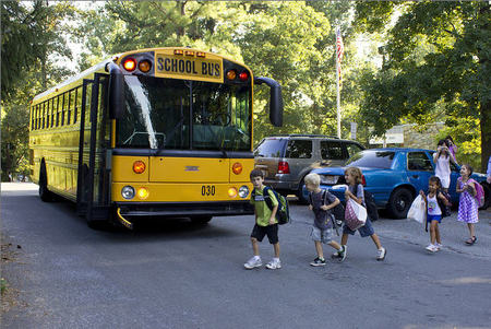 Atención familias: campaña de la DGT para garantizar la seguridad en el transporte escolar