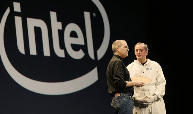 Paul Otellini y Steve Jobs