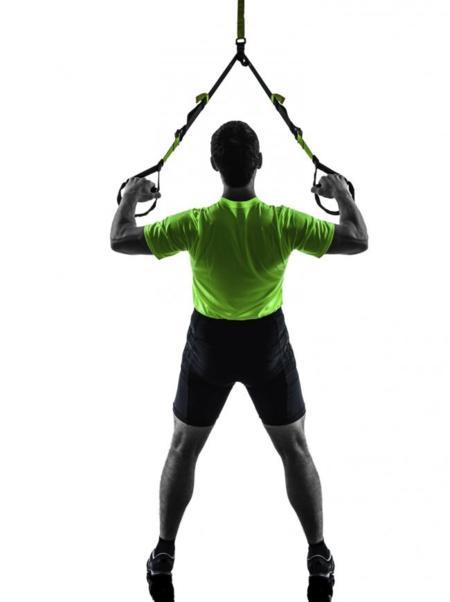 Cuatro ejercicios para trabajar tu espalda con el TRX
