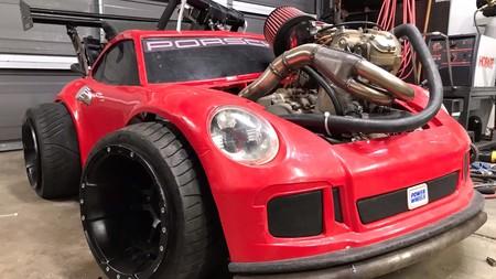 Este Porsche 911 GT3 es el juguete a escala que todo niño grande querría tener en su garaje