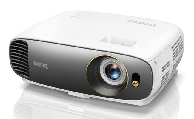 """BenQ W1700, el proyector 4K """"asequible"""" de la marca llegará en enero por menos de 1.600 euros"""